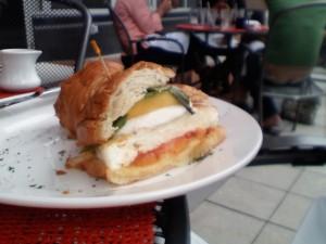 croissantsandwich