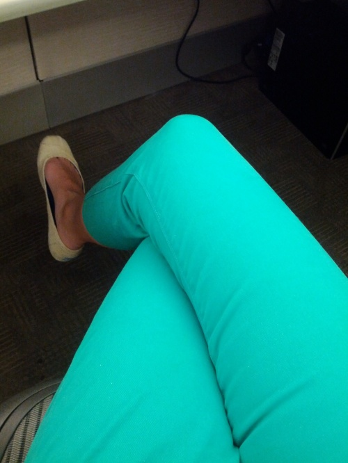 A photo of my green cropped jeans from The Loft