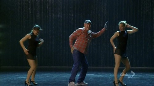 "Screen shot of Kurt's Dad dancing to ""Single Ladies"""